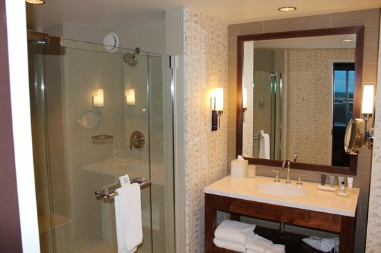 JW Marriott Indianapolis: Bathroom