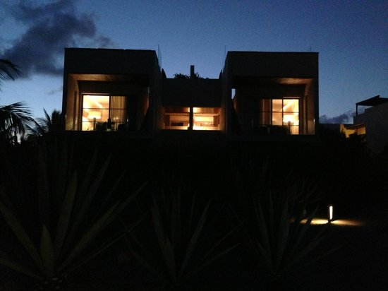 Rosewood Mayakoba: resort suite at night