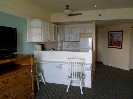 Disney's BoardWalk Villas: kitchen area