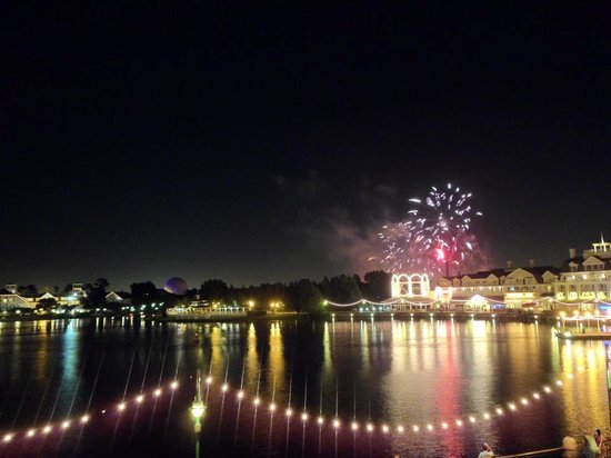 Disney's BoardWalk Villas: nighttime view!
