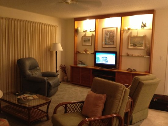 Sanibel Moorings: Family room