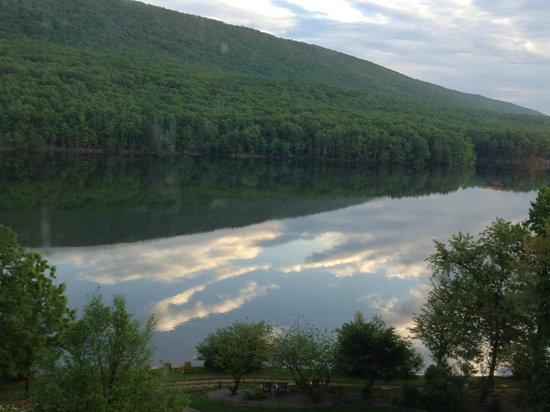 Rocky Gap Casino Resort: From Lakeside restaurant