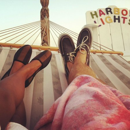 Harbor Lights Motel : Hammocking