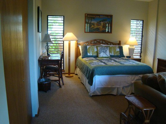 Hale Huanani Bed and Breakfast: Very comfortable bed