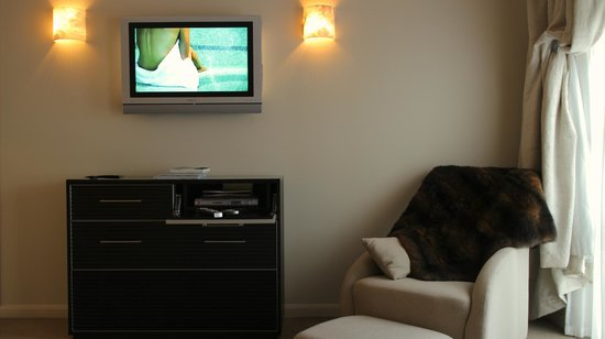 Sofitel Queenstown Hotel & Spa: TV