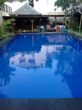 Ari Putri Hotel: Pool at new section
