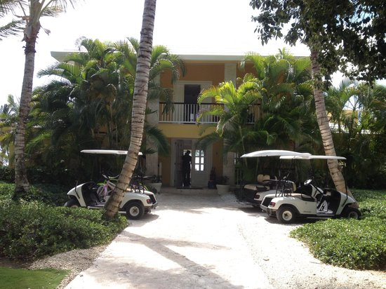 Tortuga Bay Hotel Puntacana Resort & Club: Villas and great golf carts n bikes