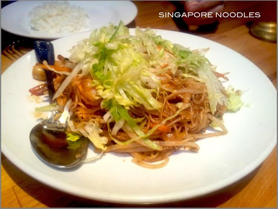 Penang Malaysian Cuisine: Singapore Noodles-good 4 two people, recommendable