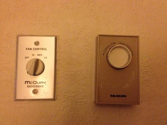 Sheraton Suites Cypress Creek Ft. Lauderdale: ancient a/c controls