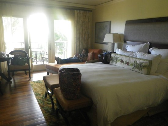 The Ritz-Carlton, Kapalua: spacious room