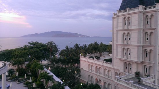 Sunrise Nha Trang Beach Hotel & Spa: view from my balcony