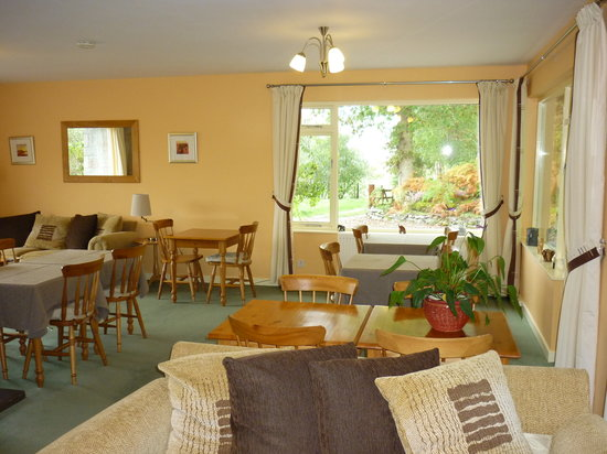 The Braes Guest House: Lounge & Breakfast Room