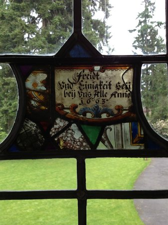 Thornewood Castle Inn and Gardens: 350 year old stained glass.