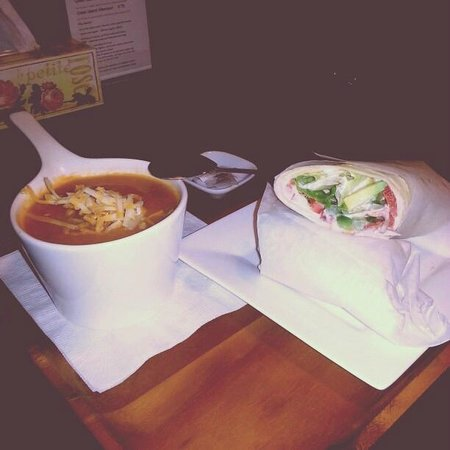 Georgetown, Canada: Ratatoille soup and Hummus Wrap