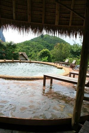 The Cliff & River Jungle Resort: Pool