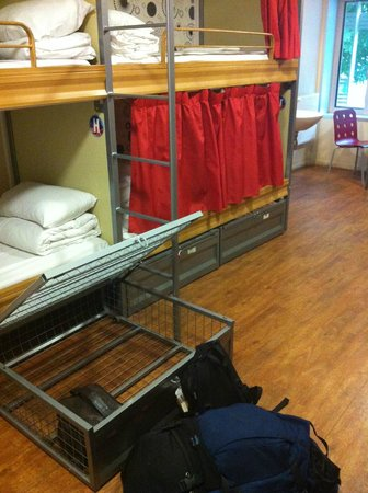 St Christopher's Paris Hostel: Under bed lockable storage