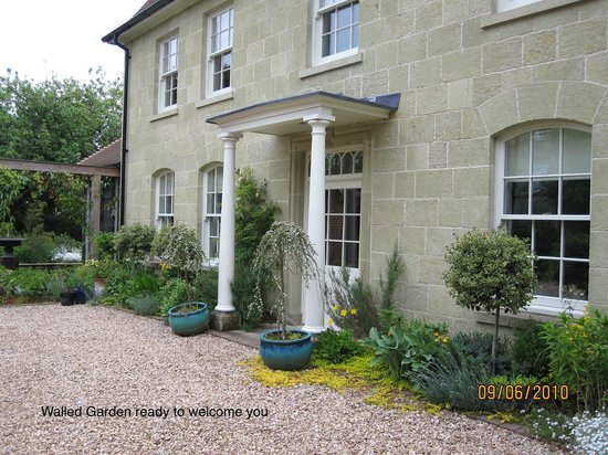 Walled Garden  Shaftesbury  Dorset   See 27 Reviews And 9