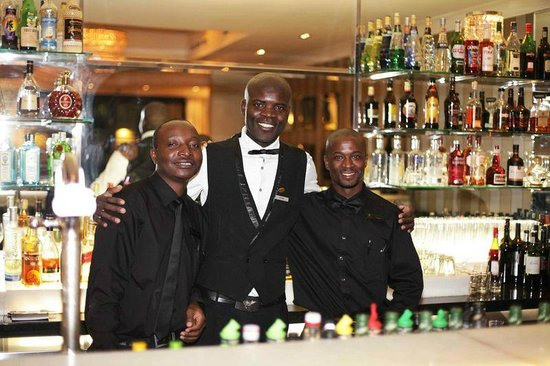 Cape Royale Luxury Hotel & Spa: Bar at Bistro 1800
