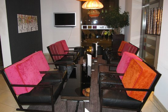 Andel's Hotel Cracow: Seating in bar