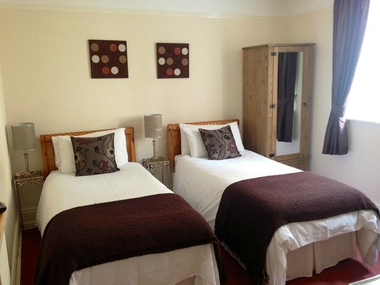 Kingsholm Hotel: Bedroom 2 - Twin Ensuite