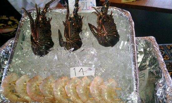 Puerto Nuevo, Μεξικό: The small lobester and shrimp ready to be cooked
