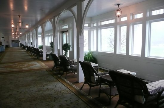 ‪‪Omni Bedford Springs Resort‬: Indoor Sun Porch‬