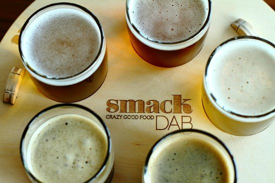 Manteo Resort - Waterfront Hotel & Villas: Smack DAB Beer Flights - 5 x 4oz samplings of your choice of craft beer.