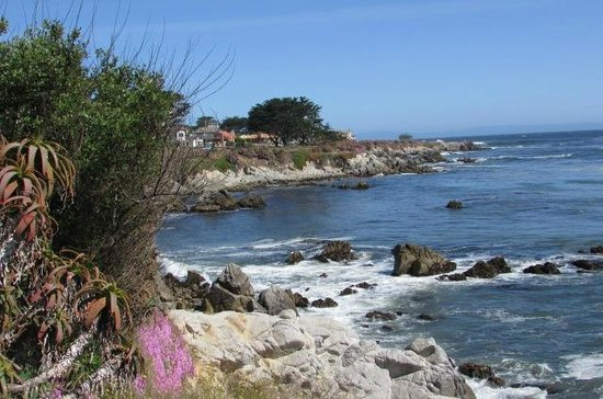 Monterey Plaza Hotel & Spa: Short walk from hotel