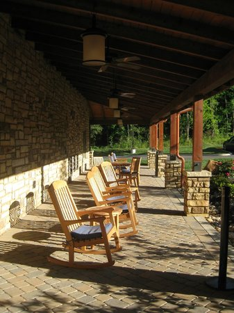 Hampton Inn Pigeon Forge: outdoor veranda