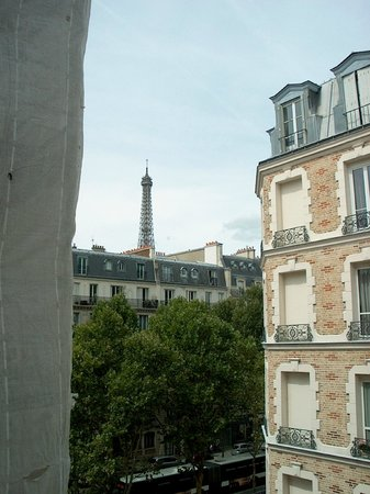 Hotel Relais Bosquet Paris: View of Eiffel Tower from room