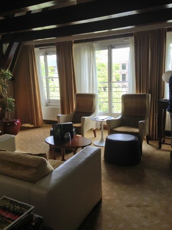Hotel Pulitzer, a Luxury Collection Hotel: Living Room of Suite