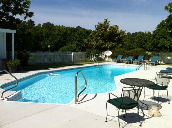 Inn at Huntingfield Creek: Pool at Huntingfield Creek