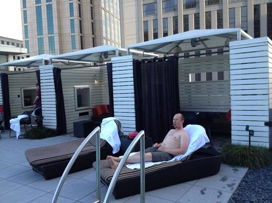 W New Orleans: private cabanas with TVA