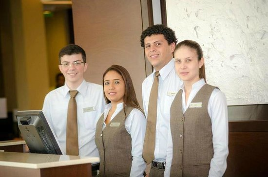 Courtyard by Marriott San Jose Airport Alajuela: Front Desk Team