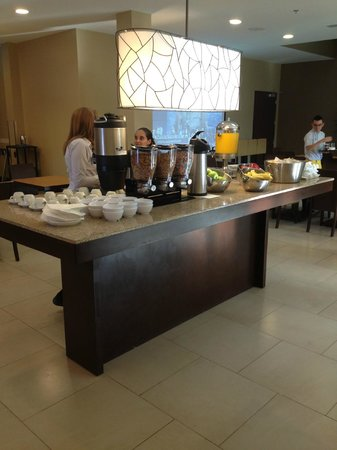 Courtyard by Marriott San Jose Airport Alajuela: Buffet Breakfast