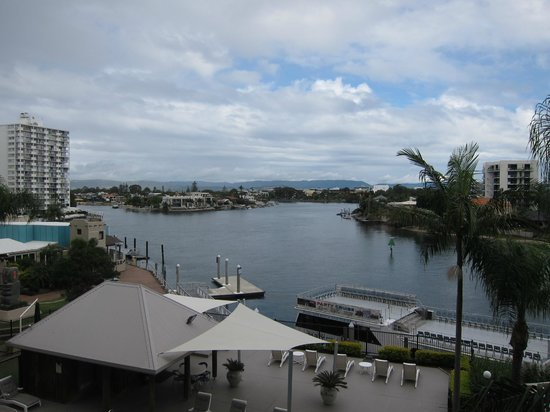 Moorings on Cavill Avenue: Nerang river view from balcony