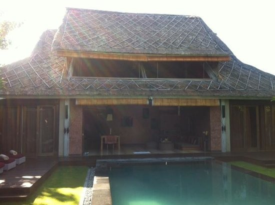 Space at Bali: The Villa
