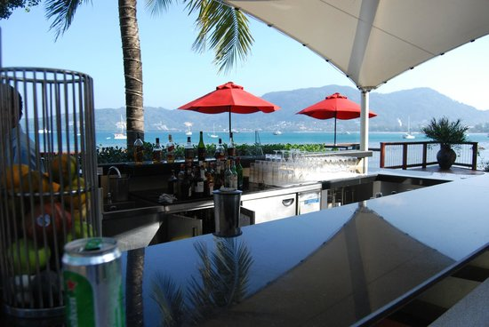 Amari Coral Beach Phuket: open bar