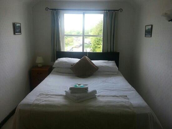 Little Hallingbury, UK: room at the top