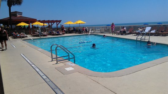 Westgate Myrtle Beach Oceanfront Resort: Pool Daytime