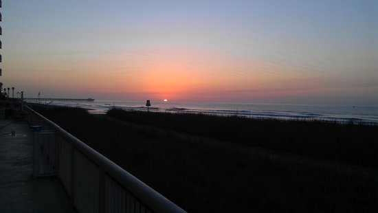 Westgate Myrtle Beach Oceanfront Resort: Sunrise