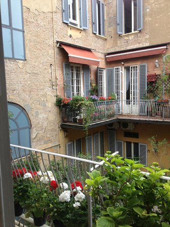 Antica Residenza d'Azeglio : The balcony, again.