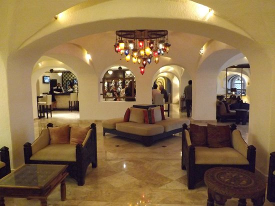 GR Caribe by Solaris: Lobby view