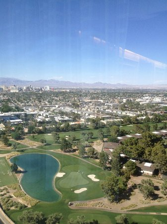LVH - Las Vegas Hotel & Casino: View from 25 floor