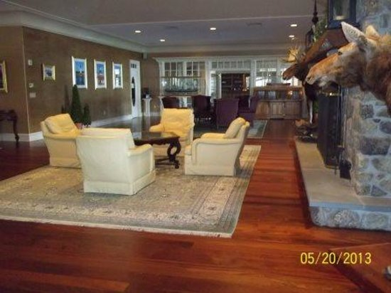 Point Lookout Resort and Conference Center: The Foyer-Sitting area