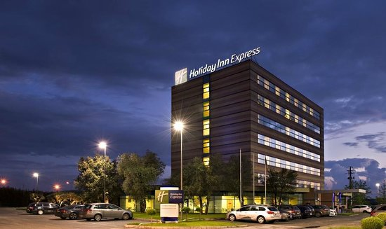 Holiday Inn Express Langhe Cherasco