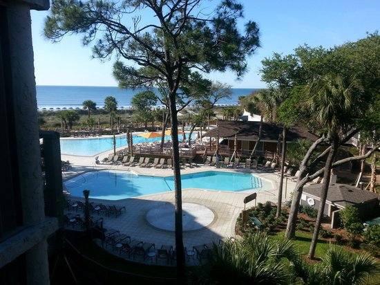 Omni Hilton Head Oceanfront Resort: Our view of the pools and ocean