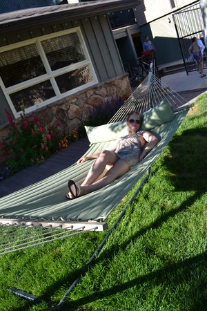 Pony Express Motel: Relax in the hammock