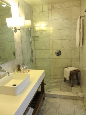 Andaz Napa: Large, marble bathroom.
