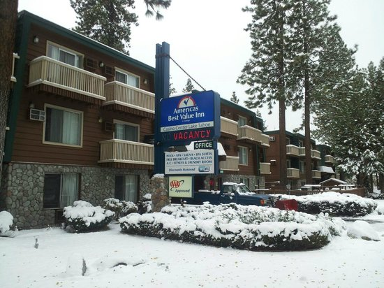 Americas Best Value Inn - Casino Center Lake Tahoe: Hotel Exterior Winter